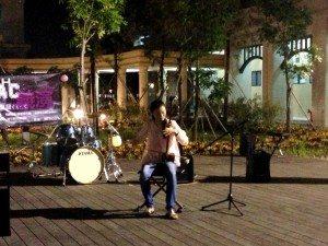 Sofia Zhang soloed an erhu piece. 張天嬌同學表演二胡獨奏。