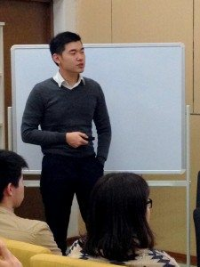 Ivan shared with the College students his experiences gained from university. Ivan 分享了他在大學生活中得到的寶貴經驗。