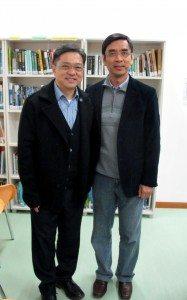 Mr. Francis Mak and College Master Prof. Iu Vai Pan, both alumni of Hong Kong Baptist College, finally met at SHEAC.  同是香港浸會書院的校友麥潤壽先生和院長姚偉彬教授在何鴻燊東亞書院聚首。