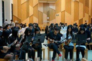 "Students of the Tuesday class performed Jolin Tsai's ""Rewind"". 週二班的同學們表演了蔡依琳的《倒帶》。"