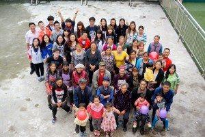 "Big ""family"" photo for the village 為高峰村拍下大家庭照"