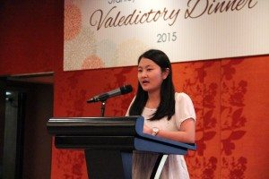 Ms. He Jiaqi, Loki spoke of her joyful life and rapport with friends in the College. 何嘉琪同學談到與朋友們在書院愉悅的生活和友好關係。