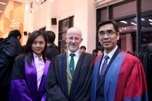 College Master Prof. Iu Vai Pan, Guest-of-Honour Prof. Martyn Evans, and Fellwo Prof. Rose Lai 院長姚偉彬教授、特約嘉賓Martyn Evans教授及Fellow黎寧教授合照留念