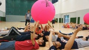 Ice-breaking games to strengthen team spirit 破冰遊戲以加強團隊合作性