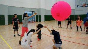 Practicing serve skills 練習擊球技巧