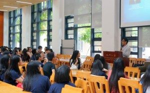 Welcome reception for new students hosted by College Master. 書院院長姚偉彬教授主持新生歡迎會。