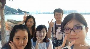 Students joined the outing with loads of joy to prepare their material for flipbook production. 同學們愉快地出遊路環,為自己的手翻書準備材料。