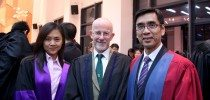 College Master Prof. Iu Vai Pan, Guest-of-Honour Prof. Martyn Evans, and Fellwo Prof. Rose Lai 院長姚偉彬教授、特約嘉賓Martyn Evans教授及Fellow黎寧教授合照留念