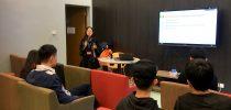 Nutritionist Suki of HSEO sharing knowledge about nutrition. 澳大安健及環境事務辦公室營養師胡心妍女士傳授關於營養的知識。